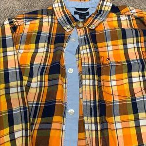 Tommy Hilfiger Shirts & Tops - Plaid button down long boys sleeve shirt